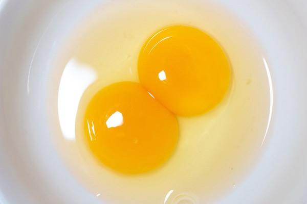 蛋黃含有卵磷脂,有助醒腦。